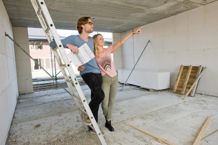 Как выбрать квартиру правильно, если она строится. Фото: Robert Hoetink - Fotolia.com