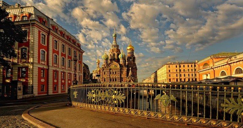 Дворцовая площадь в Санкт Петербурге. Описание, фото, адрес, как добраться, интересные факты