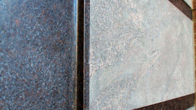 «Васильевский квартал»: В отделке стен применялся натуральный камень