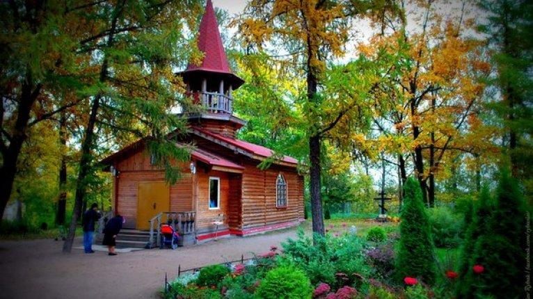 «Речной»: Рядом с домом находится Храм Покрова Пресвятой Богородицы