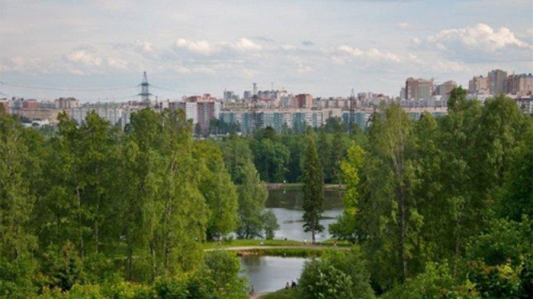 «Бумеранг»: Рядом с «Бумерангом» расположен Шуваловский парк (пешком 20 минут)