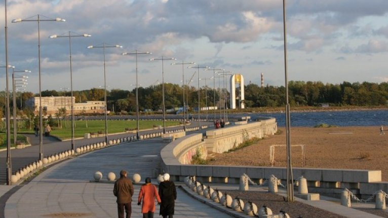 «Морские башни»: Парк 300-летия в 5 мин ходьбы