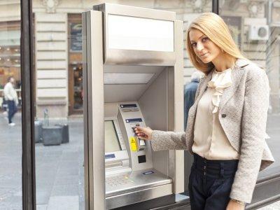 Коммунальные услуги — как оплатить без проблем? Фото: Adam Radosavljevic - Fotolia.com