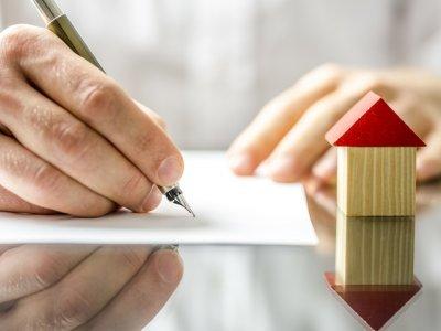 Строительство жилья: взять ипотеку или кредит? Фото: Gajus - Fotolia.com